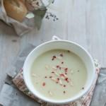 Supa de sparanghel cu lapte de cocos