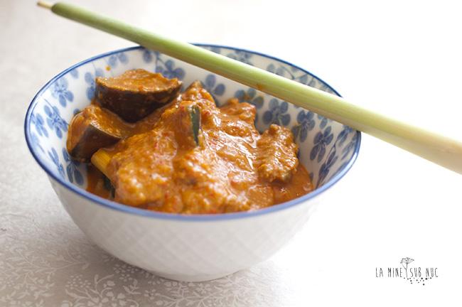 curry-rosu-cu-vinete-si-soia