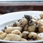 Gnocchi cu salvie si ciuperci