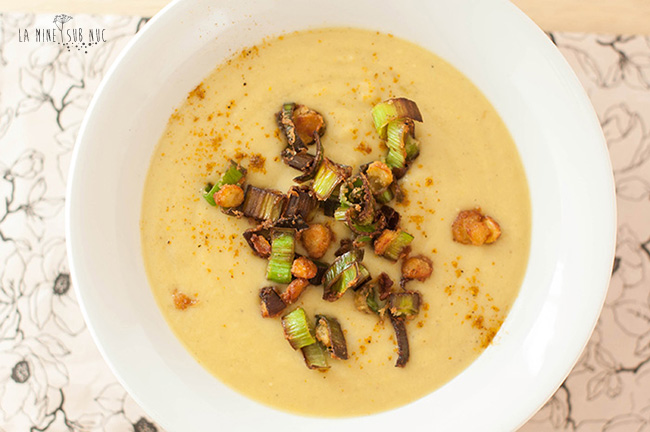 supa-vegana-cu-lapte-de-cocos-curry-mazare-galbena