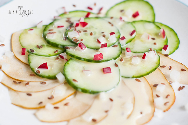 salata-de-vara-vegan-pere-castraveti