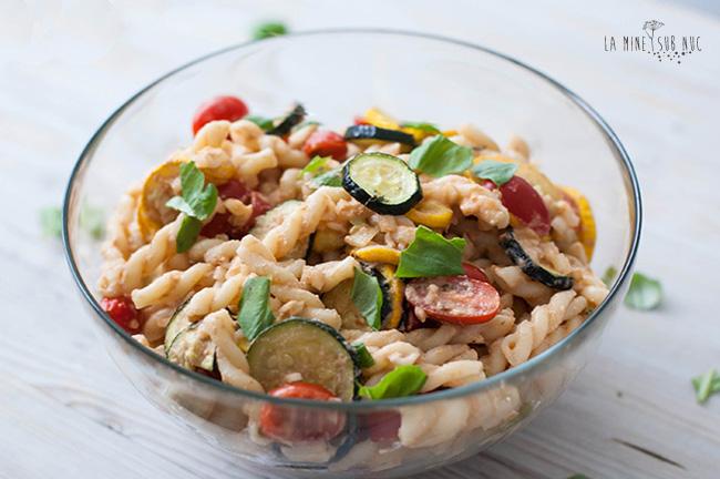 salata-vegana-cu-dovlecei-la-cuptor-si-branza-de-nuci
