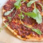 Lahmacun cu soia (pizza turceasca)