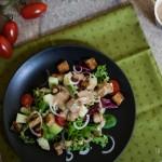 Dressing de tahini si o salata cu pepene galben